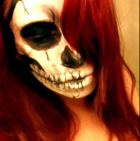 File:Favim.com-halloween-black-and-white-costume-face-paint-673906.jpg