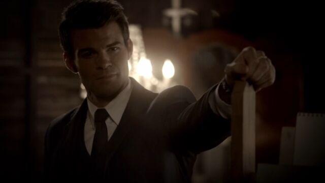 File:Elijah 6 TO 1x05.jpg