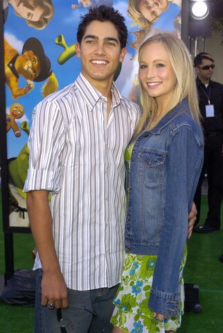 File:Candice Accola and Tyler Hoechlin--.jpg
