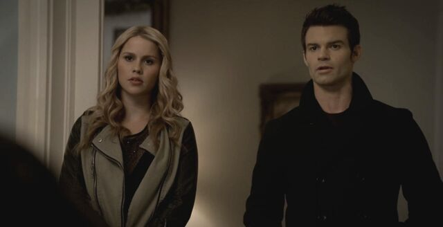 File:The-Originals-season-1-episode-9-midseason-finale-Reigning-Pain-in-New-Orleans-Elijah-and-Rebekah-tell-Klaus-about-his-fathers-bloodline-Esthers-ring-feature.jpg
