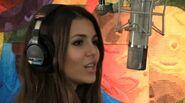 Vic sings pretty