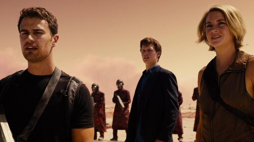 The Divergent Series Allegiant - Trailer 1
