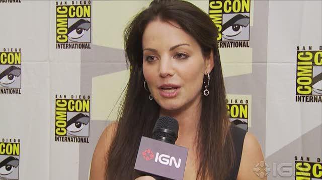 Smallville TV - SDCC 10 Erica Durance