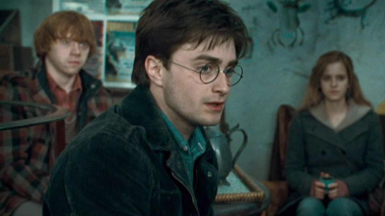 Harry Potter and the Deathly Hallows Part 1 Clip - It's a Sign