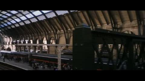 Harry Potter and the Sorcerer's Stone - King's Cross