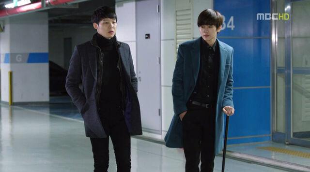 File:Jungwooandhyungjoon.jpg