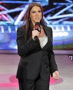 Stephanie McMahon @ Raw 10.5.15