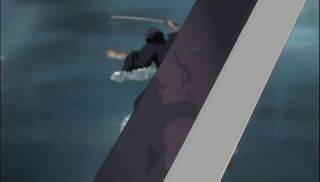 File:Zommari about to kill Rukia.jpg