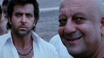 Hrithik goes back to Mandwa - Agneepath