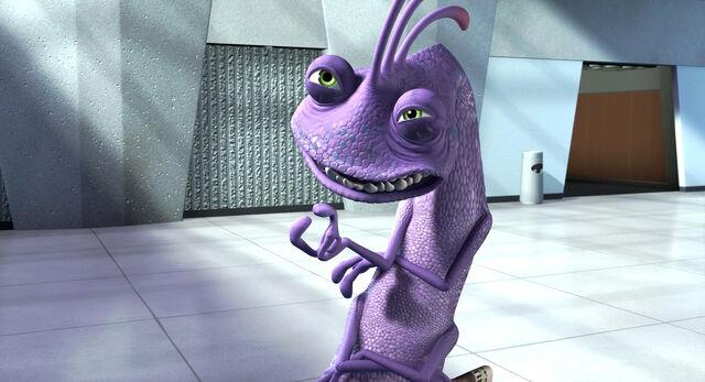 File:Randall-Boggs-Monster-s-Inc-disney-villains-1038350 600 330.jpg