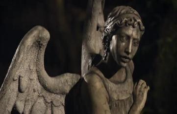 File:Weeping angel.jpg