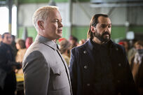 Legends-of-Tomorrow-Pilot-Part-2-Damien-Darhk-Vandal-Savage