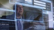1x10 Matt looking at screen