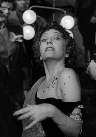 File:Norma Desmond.jpg