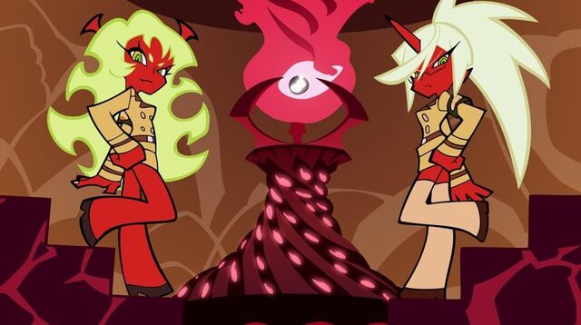 File:Kneesocks & Scanty.jpg