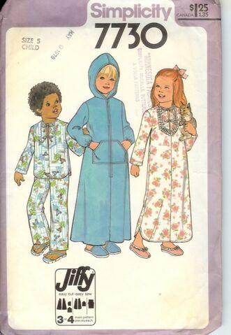 File:7730s 1977 childrobe.jpg