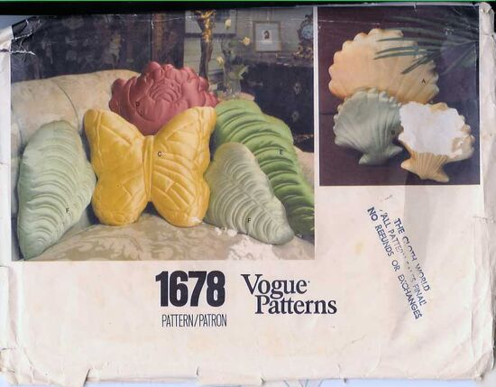 W-1678V 1970s PIllowsShells