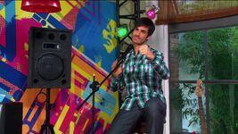 Luca singing Vieni, Canta
