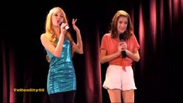 Violetta and Ludmila singing