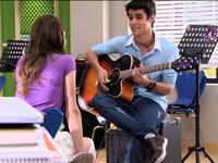 Tomi sing to Vilu