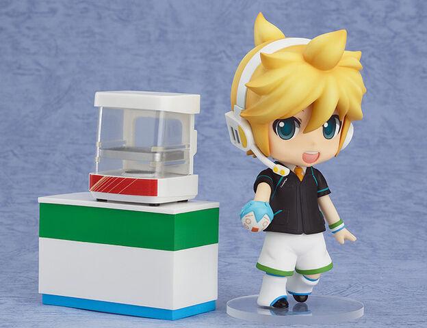 File:Kagamine Len Nendoroid 341 FamilyMart.jpg