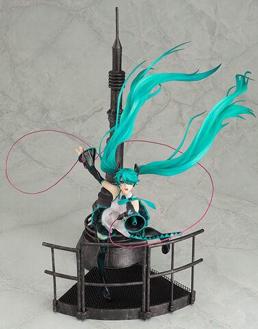 File:Hatsune Miku 1 8 figurine - LoveisWar.jpg