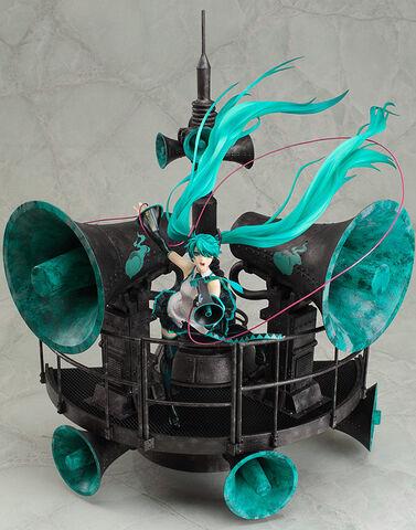 File:Hatsune Miku 1 8 figurine - LoveisWar DX.jpg