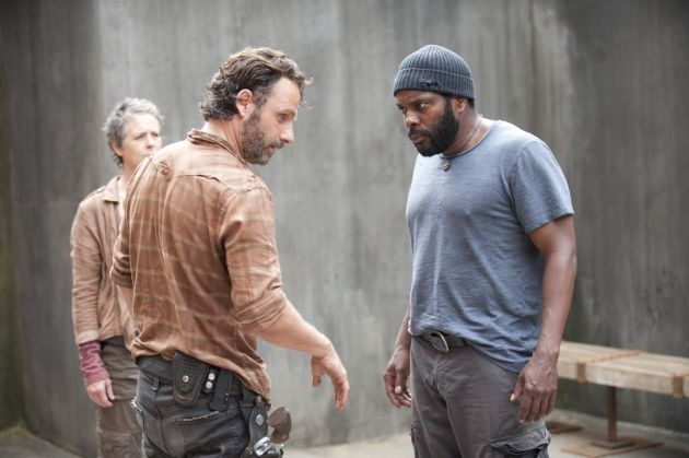 File:Carol Rick and Tyreese 4x03.jpg