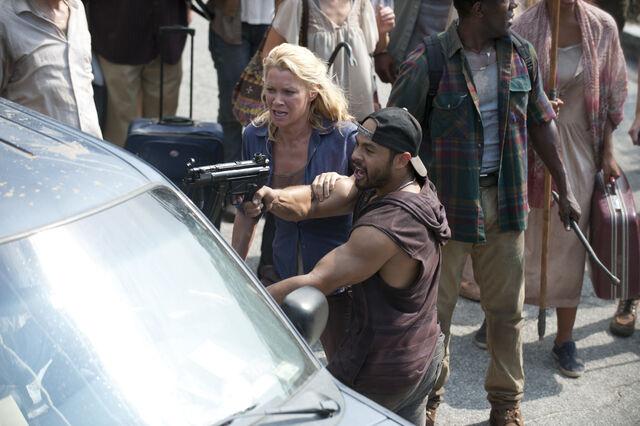 File:Walking-Dead-309-18.jpg