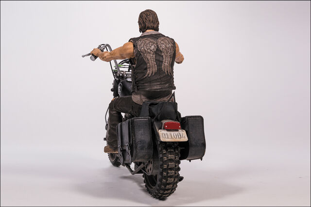 File:McFarlane Toys The Walking Dead TV Series 5 Daryl Dixon & Chopper Box Set 5.jpg