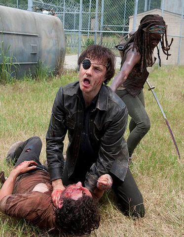 File:Michonne-stabs-governor.jpg