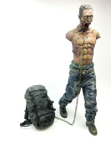 File:Michonne's Green Pet - Threezero 2.jpg