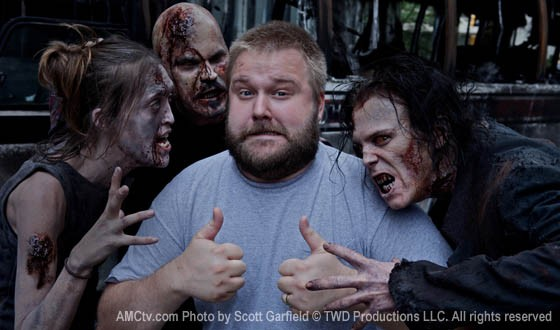 File:Robert Kirkman And 3 Walkers.jpg