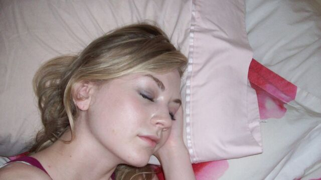 File:Emily Kinney cute sleeping face.jpg