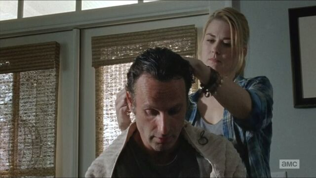 File:Remember-jessie-cuts-ricks-hair.jpg