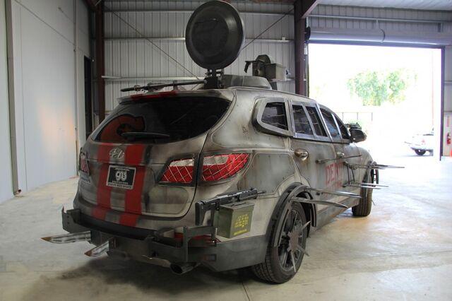 File:2013 Hyundai Santa Fe Zombie Survival Machine 9.jpg