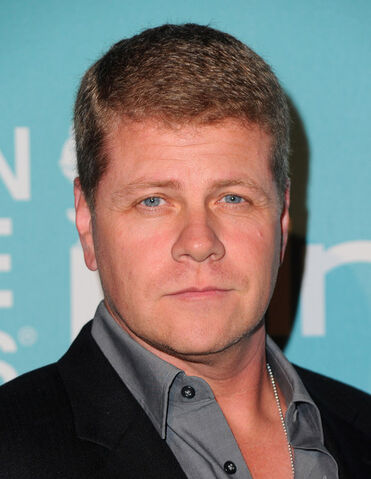 File:Michael+Cudlitz+Hollywood+Foreign+Press+Association+kU-FU5WuH6fl.jpg