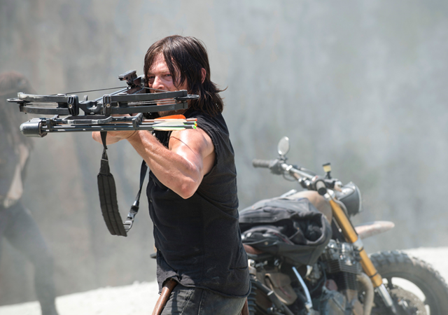 File:AMC 601 Daryl Aiming Crossbow.png