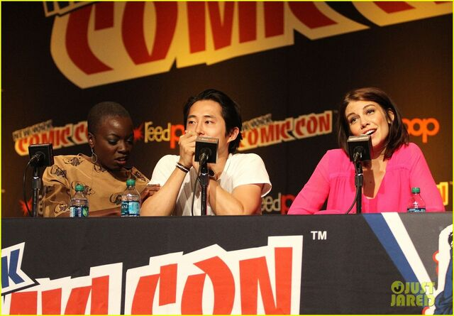 File:Norman-reedus-andrew-lincoln-walking-dead-at-nycc-15.jpg
