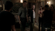 Glenn, The Governor, Merle, Maggie and Caesar 3x07 (2)