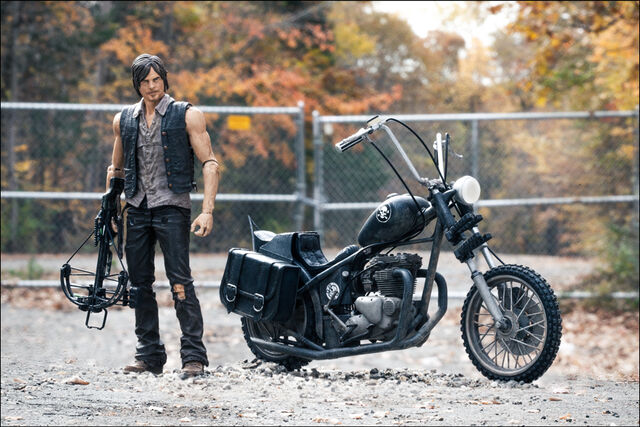 File:McFarlane Toys The Walking Dead TV Series 5 Daryl Dixon & Chopper Box Set 2.jpg