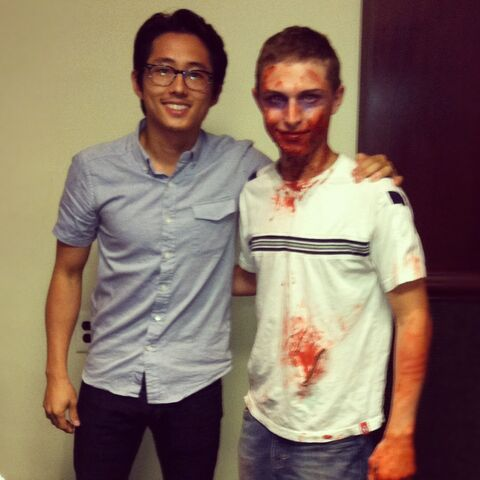 File:Yeun with Zombie Fan.jpg