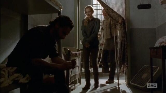 File:Rick Beth and Hershel in A Beth was about to take Judith.JPG