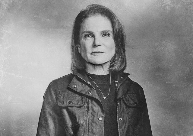 File:The-walking-dead-season-6-cast-silver-deanna-feldshuh-935.jpg