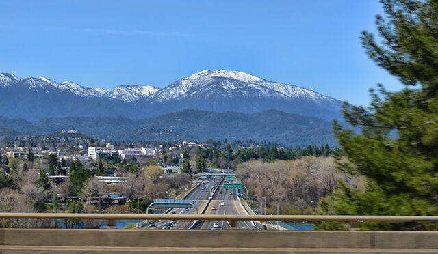 File:Redding-from-I-5.jpg