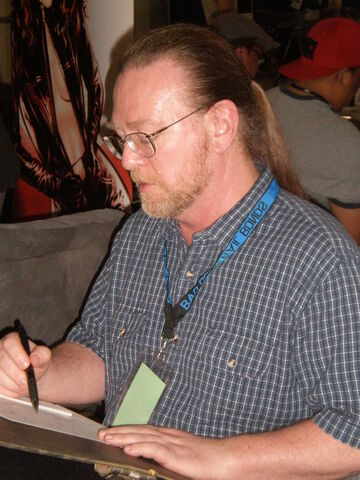 File:Michael Golden at Super-Con 2009 2.JPG