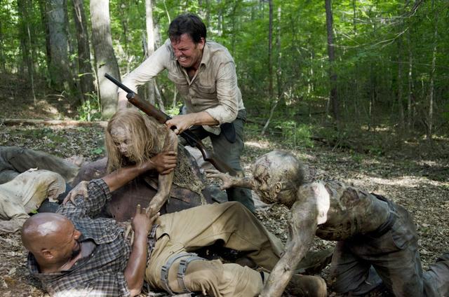 File:AMC 603 David Helps Scott.png