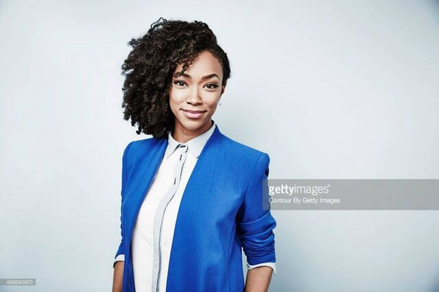 File:SonequaMartinGreen.jpg