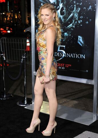 File:Emma-bell-premiere-final-destination-5-02.jpg