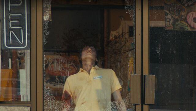 File:Fear-The-Walking-Dead-105-Kimberly.jpg